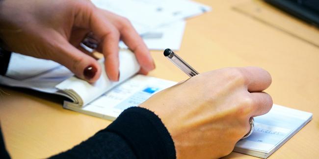 Rémunération du chef d'entreprise : TNS ou salarié ? Avantages et inconvénients
