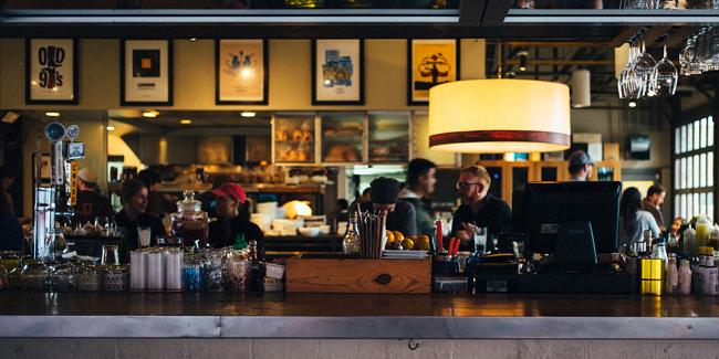 Ticket repas, remboursement de frais de bouche : quelles sont les règles pour l'entreprise ?
