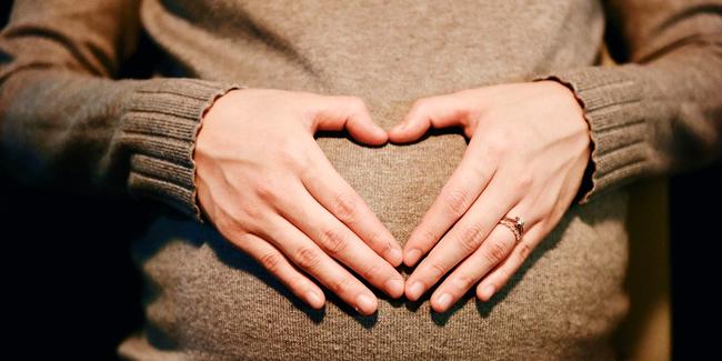 Congé maternité pour les indépendants et auto-entrepreneurs, que dit la loi ?