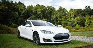 Une Tesla en LLD ou LOA comme voiture de fonction pour le chef d'entreprise !