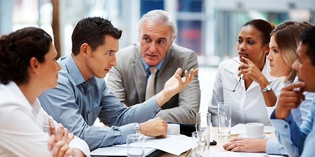 Mutuelle de groupe et mutuelle collective : explications, comment choisir ?