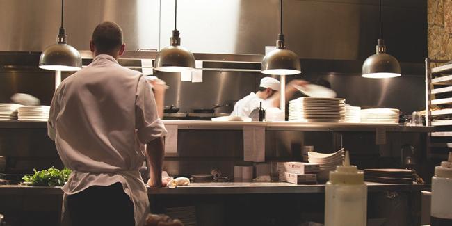 Entreprise d'hôtellerie restauration : quelle mutuelle santé choisir pour ses salariés ?