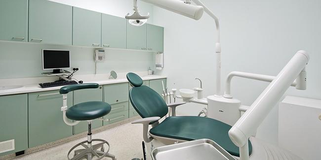 Multirisque professionnelle cabinet dentaire : comment choisir ? Quel coût ?