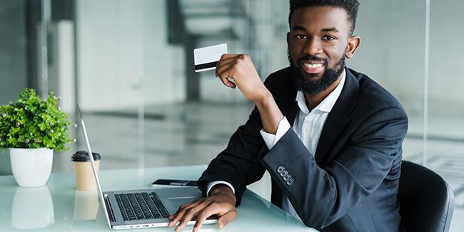 Compte bancaire professionnel 100% en ligne : est-ce possible ? Comment choisir ?