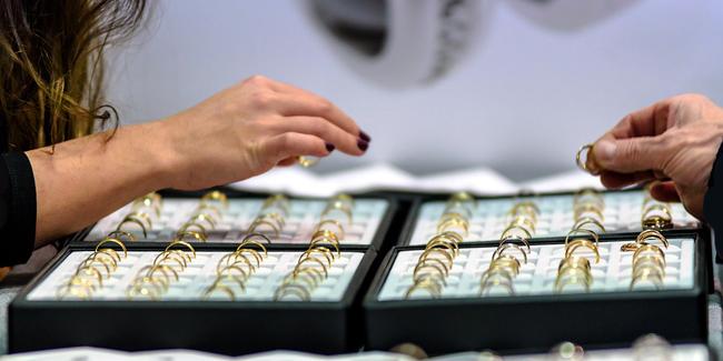 Multirisque professionnelle bijouterie : comment choisir ? Quel coût ?